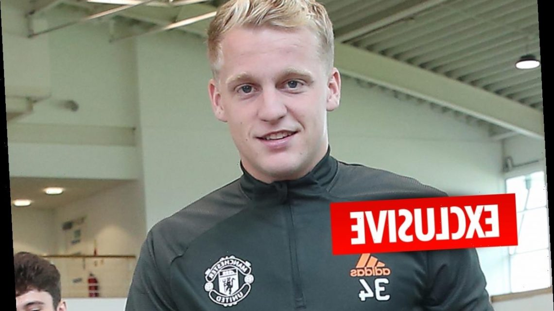 Man Utd trying to bulk up Donny van de Beek with strength programme – like Bruno Fernandes and Cristiano Ronaldo did