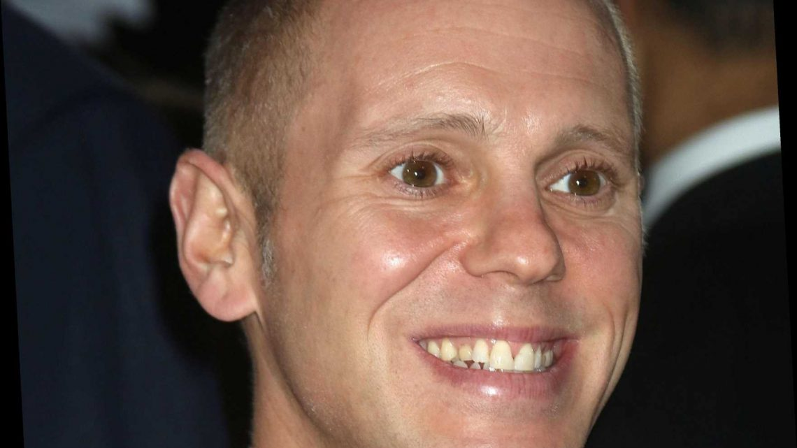 Who pays the money on Judge Rinder?