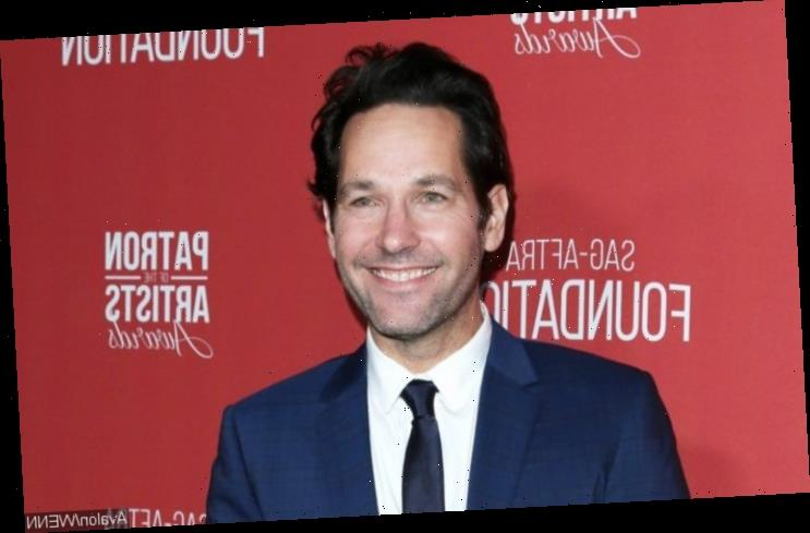 Paul Rudd Praised for Handing Out Cookies to Early Voters in NYC Despite Rain