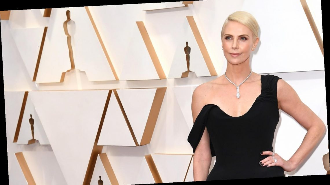 Charlize Theron's People's Choice Awards makeover has the internet buzzing