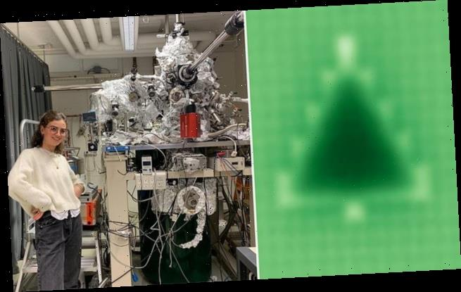 World's smallest Christmas tree is made of 51 atoms