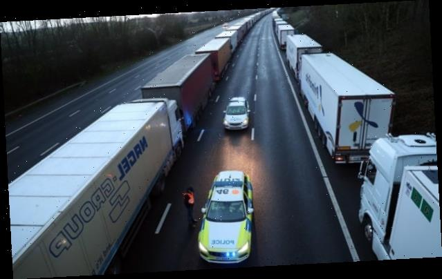 Covid: France expects to reopen border as UK plans to test lorry drivers