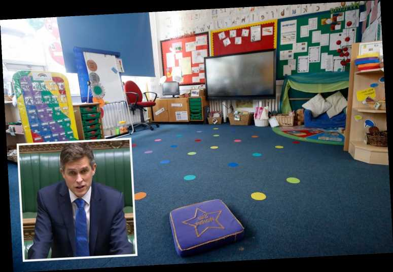 Teachers' union demands ALL schools stay closed after Government U-turn on London primaries