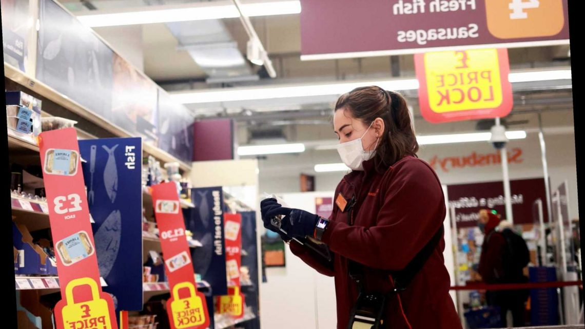 All supermarkets should make people wear face masks or ban then from entry, policing minister says
