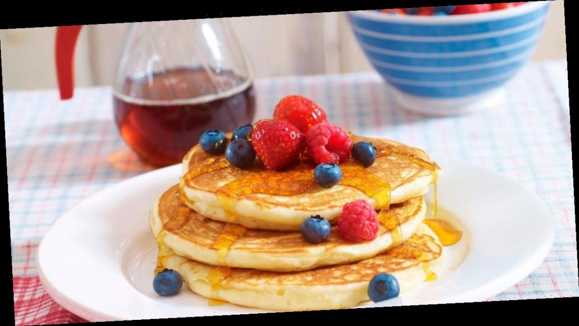 Two simple pancake recipes –Thick American-style and Thin crêpe-style