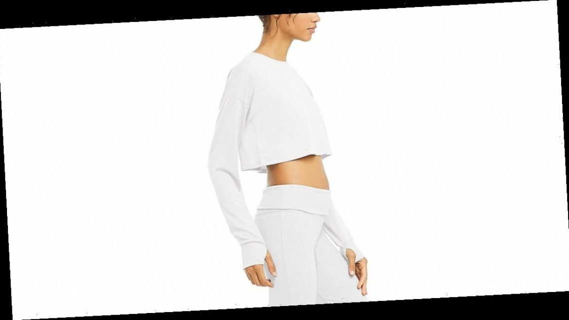 This Long-Sleeve Crop Top's Thumbholes Only Make It More Perfect