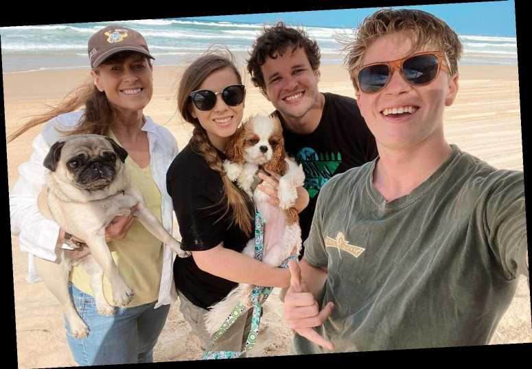 Pregnant Bindi Irwin Enjoys 'Beach Day' with Family — Including Her Dogs! — Ahead of Baby's Arrival