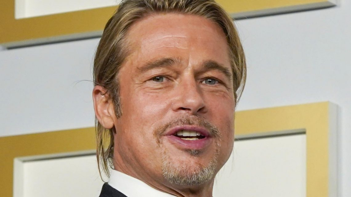 Body Language Experts Noticed Brad Pitt Doing This One Strange Thing At The Oscars