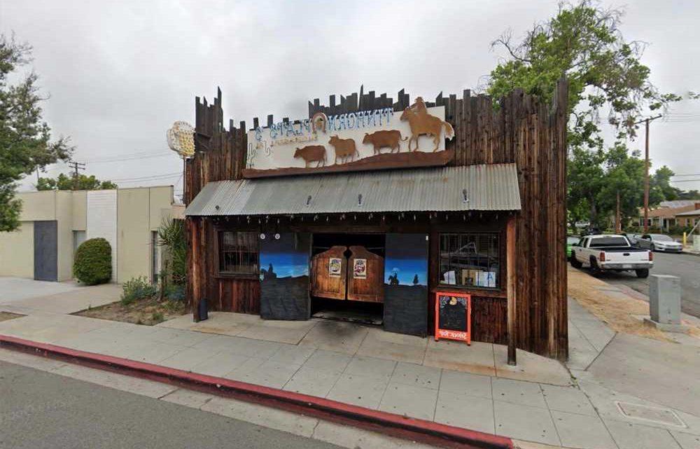 California city erects fence outside COVID mandate-defying restaurant
