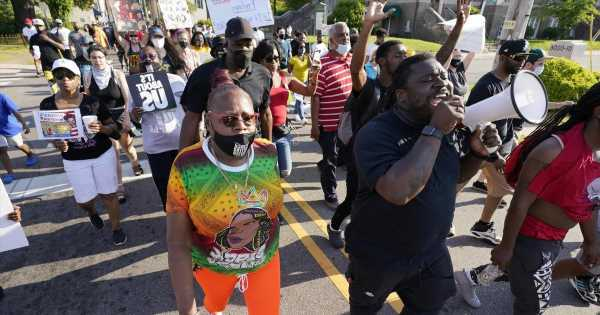 Deputies who didn't open fire in Andrew Brown Jr. shooting are back on duty