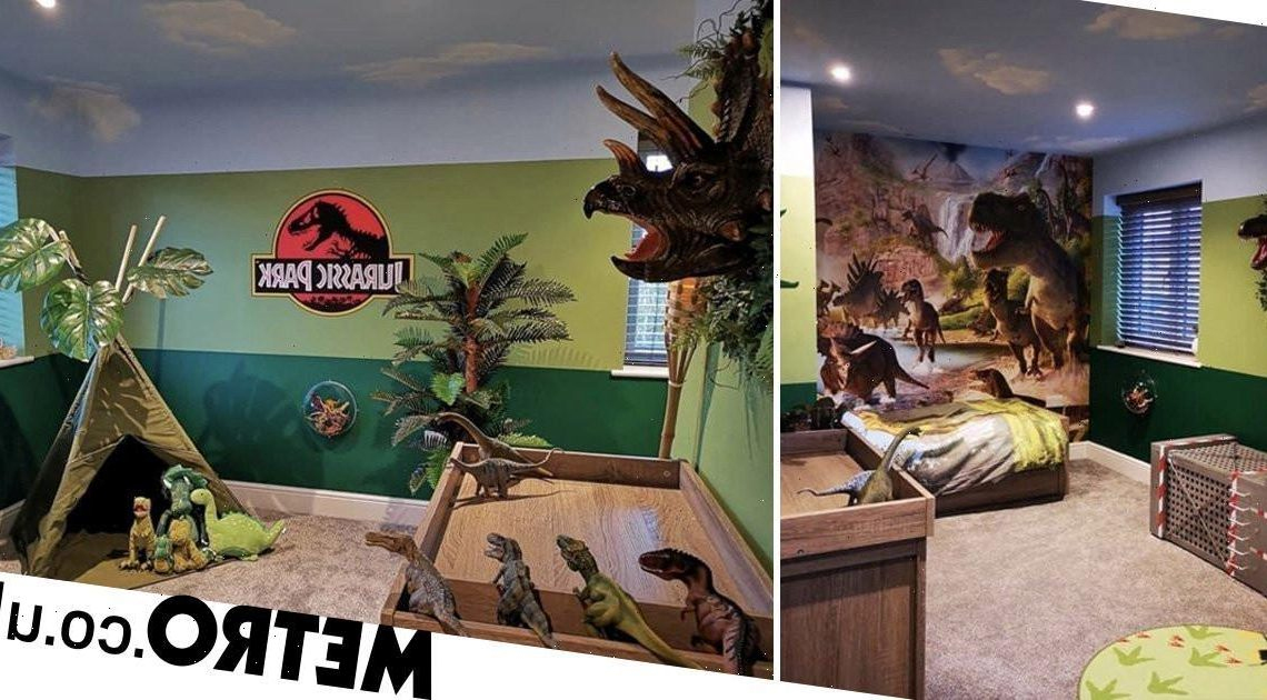 Mum surprises two-year-old with amazing Jurassic Park bedroom transformation