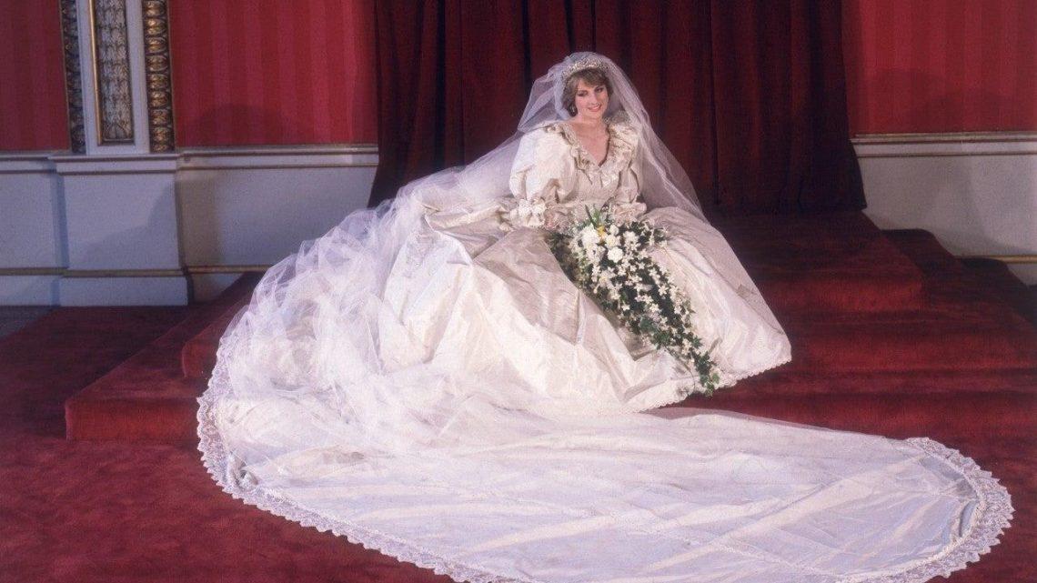 Princess Diana's Wedding Gown to Go on Display at Kensington Palace