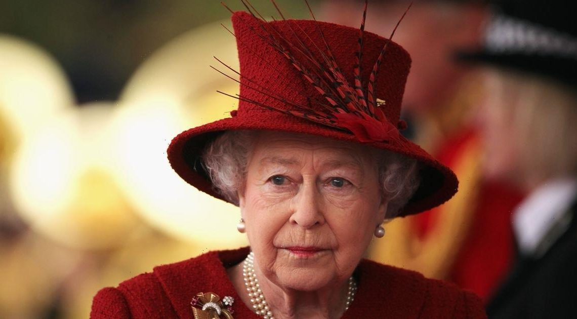 Queen to 'fade away gracefully' from royal duties following Prince Philip's death, royal expert says