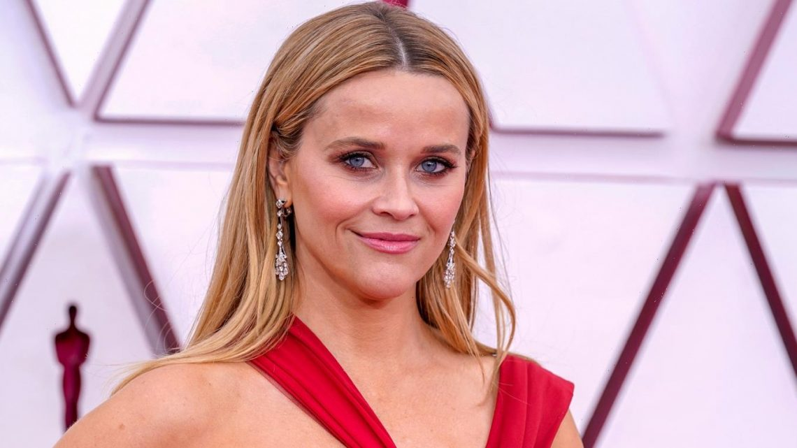 Reese Witherspoon is Enjoying a Night Out at Oscars 2021!