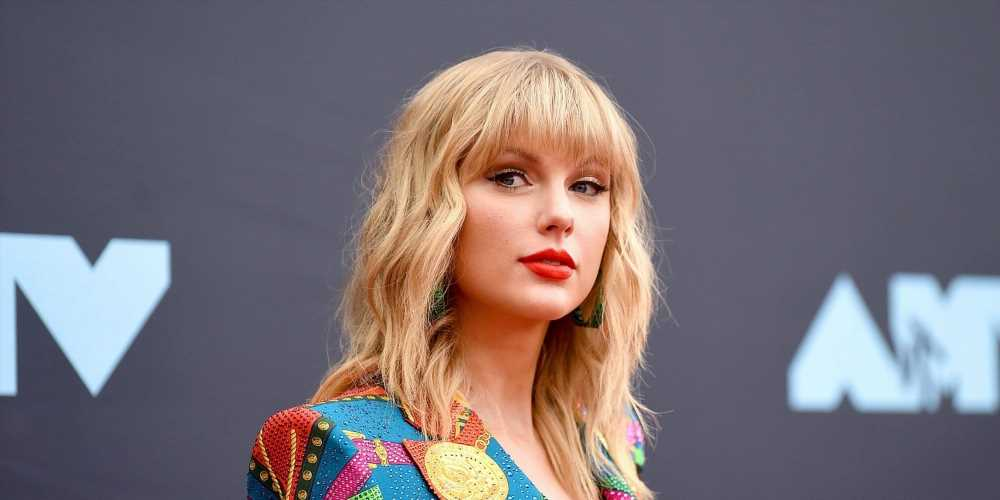 Taylor Swift Sent the Sweetest Care Package to a Frontline Worker
