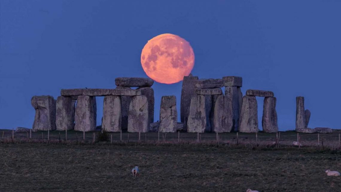 What does the pink supermoon in Scorpio mean? How crystals can help you harness the power of the moon