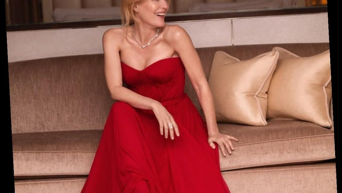 Gillian Anderson won in red Dolce & Gabbana at the SAG Awards