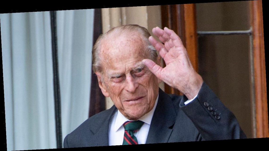 Royal fans pay heartwarming tribute to The Queen and Prince Philip as Duke of Edinburgh dies: 'He was a great man'