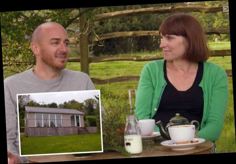 Escape to the Country couple left open-mouthed at 'bonkers' mystery property's plush surprise
