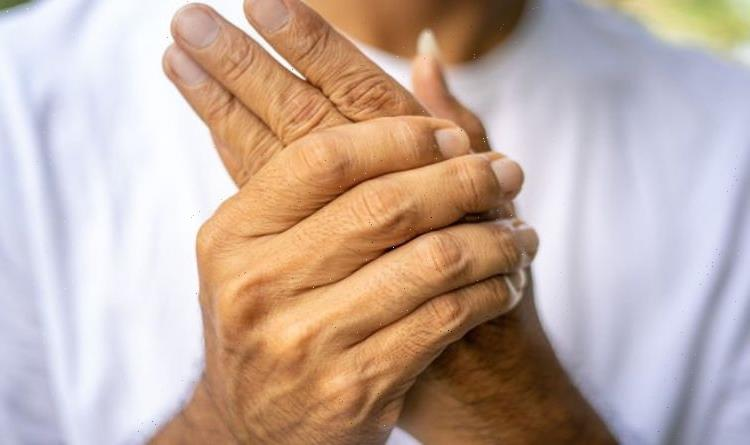 Arthritis symptoms: 15 common arthritis signs to 'call a doctor immediately'