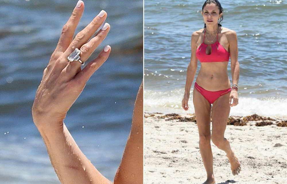 Bethenny Frankel rocks massive engagement ring in bikini at the beach