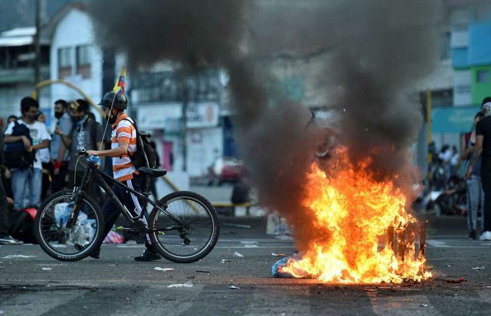 Colombia protest death toll rises to 24 as violence erupts for eighth day over tax reforms