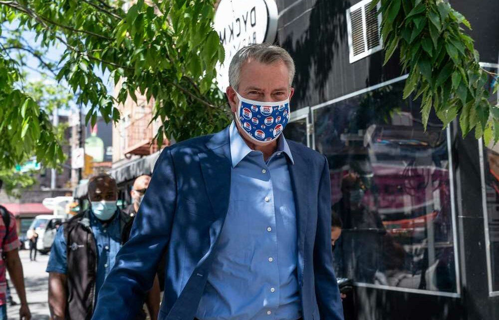 De Blasio urges New Yorkers to wear masks if 'not sure' about new rules