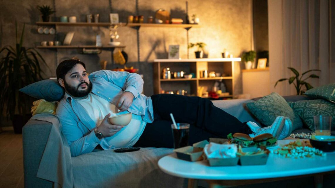 Even watching 'moderate' amount of TV in middle age increases risk of dementia