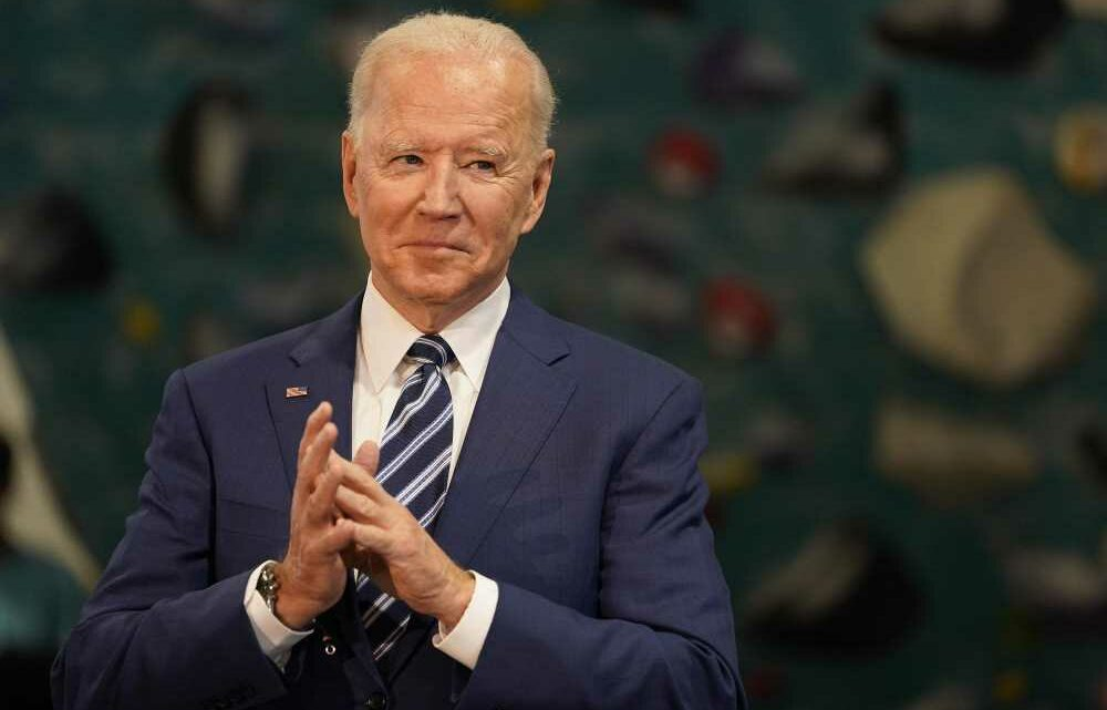 Handcuffing ICE and the Border Patrol, Biden's imposed de-facto open-borders policy