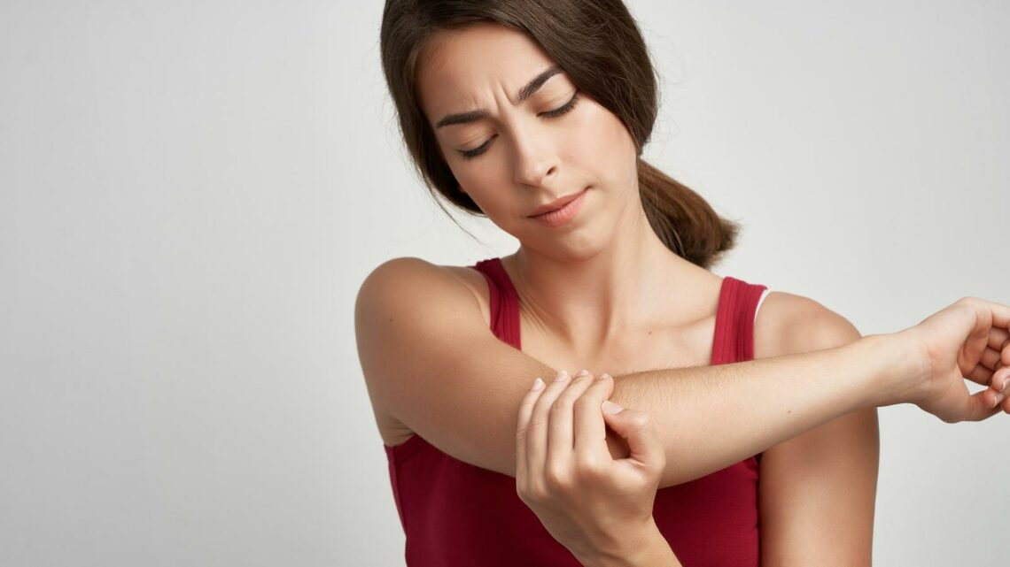 Here's What It Means When Your Arm Falls Asleep