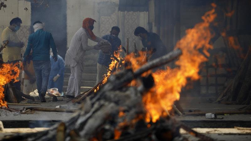 Indian industry body calls for economic slow-down to save lives