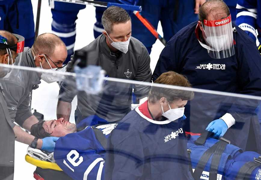 John Tavares taken off ice on stretcher after scary collision