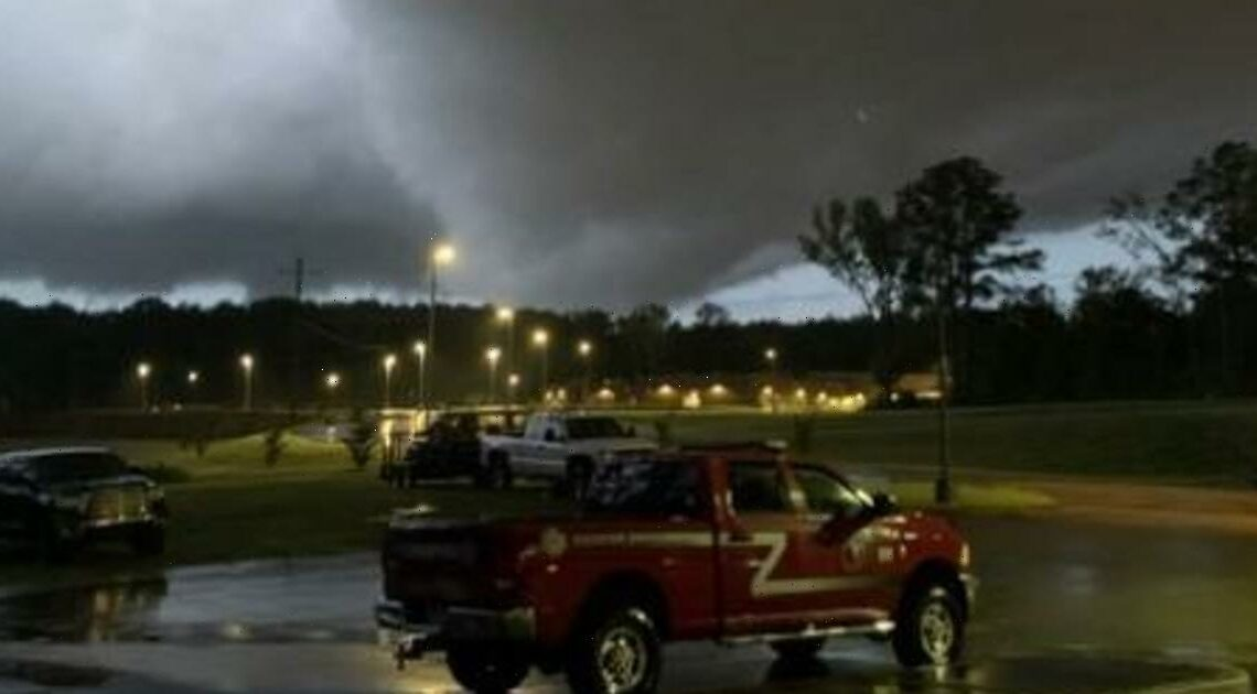 Numerous tornadoes sweep through Mississippi