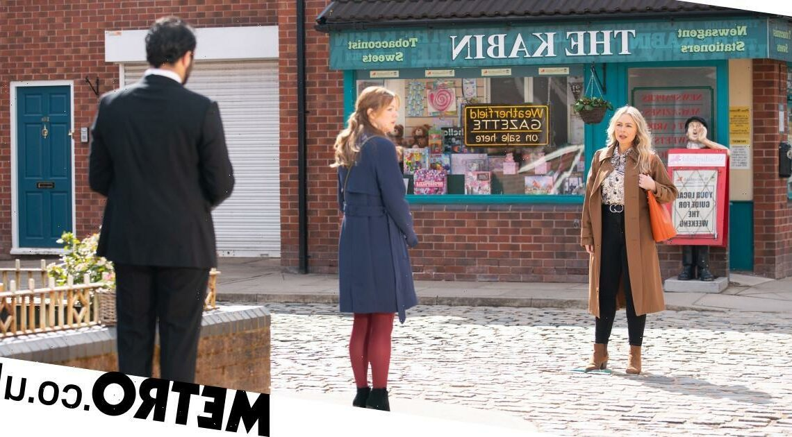 Spoilers: Kelly's mum Laura returns and takes her from Toyah in Corrie?