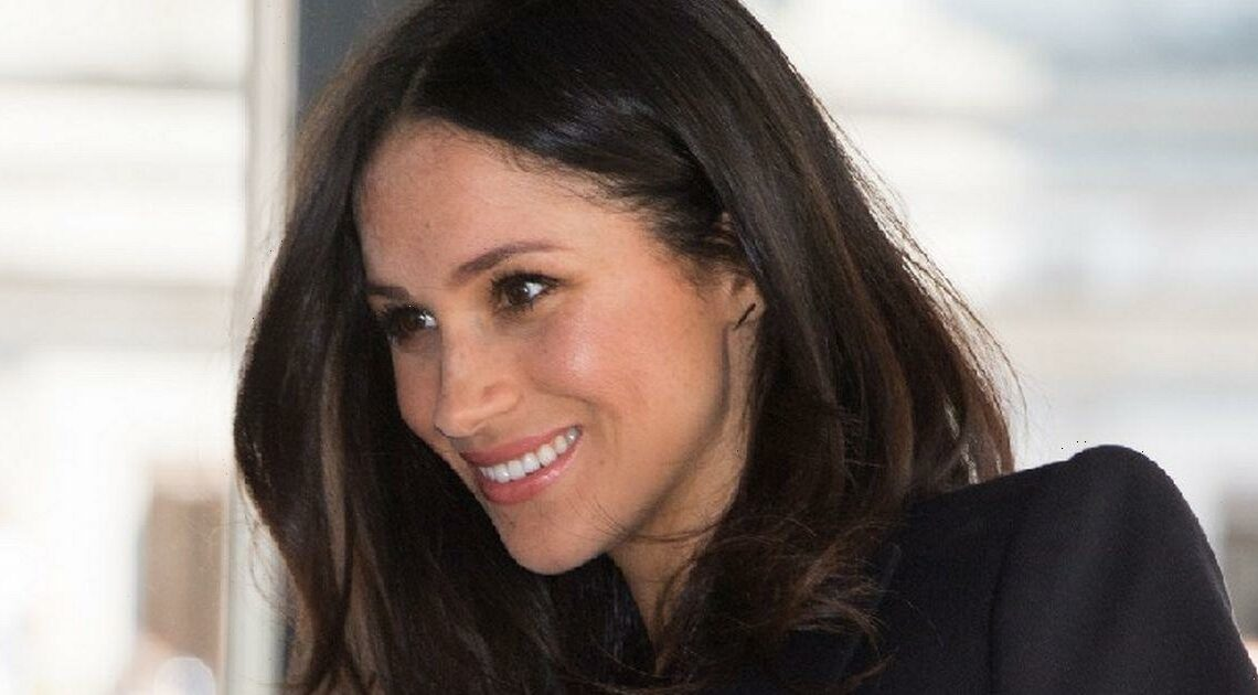 Amazon selling dupes of Meghan Markle's gold bar earrings for less than £20