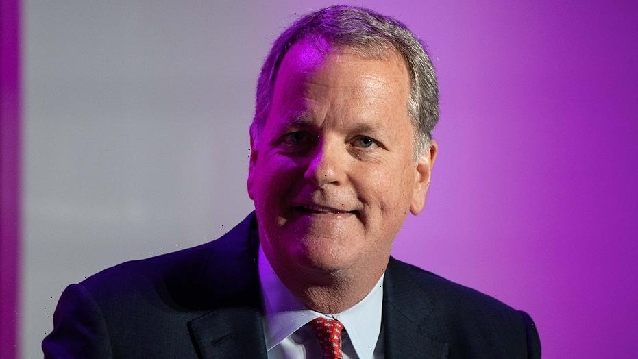 American Airlines CEO attends Southwest flight attendant's wedding a year after they met