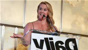 Amy Schumer Reacts to Viral Trucker Lookalike: 'What's Going on at the Truck Stop?'