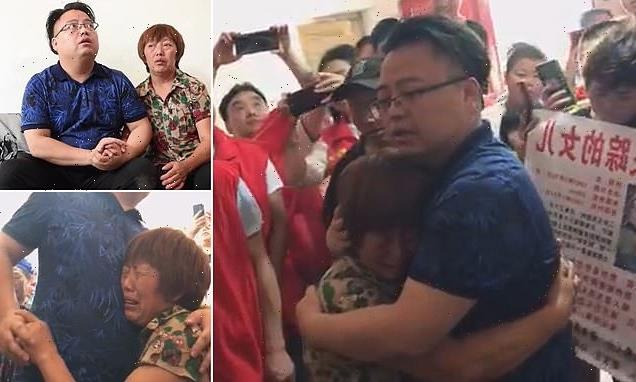 Emotional moment mother and son are finally reunited 31 YEARS in China