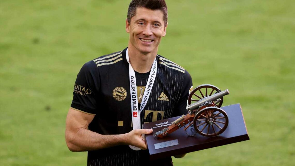 Lewandowski 'open' to Bayern exit and has 'several' transfer offers amid Man Utd, City and Chelsea interest