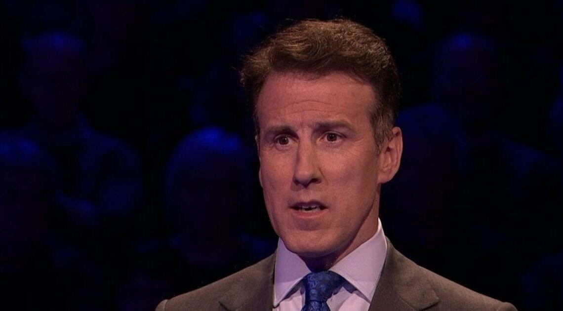 The Chase audience boo Mark Labbett over savage Anton Du Beke failure dig