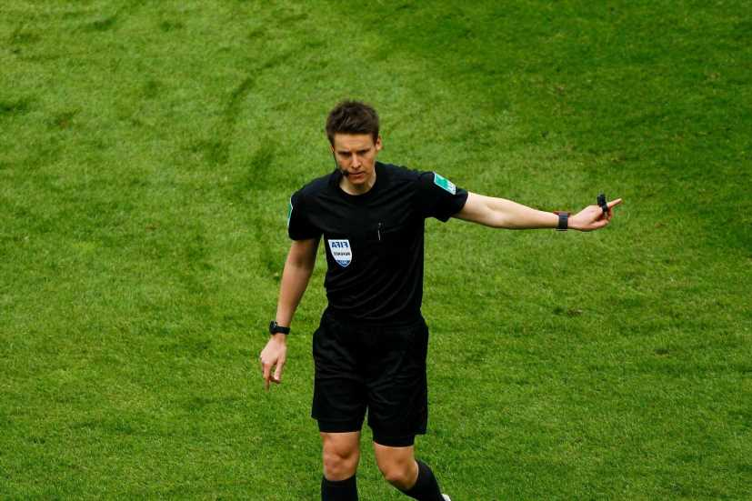 Who is referee Daniel Siebert and what Euro 2020 games is he taking charge of?