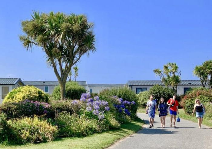 Cornwall holiday park asks guests to clean the toilet blocks due to staff isolation