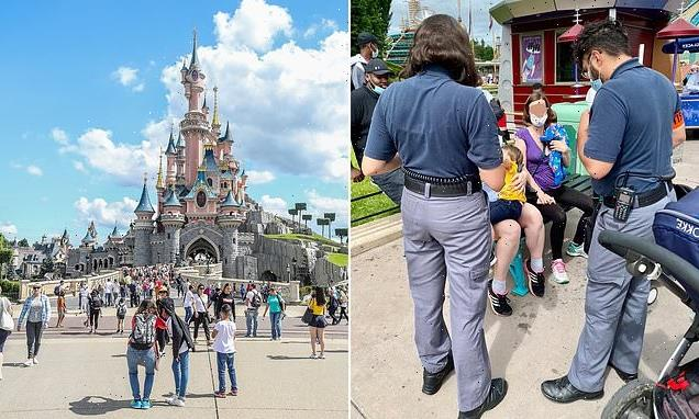 Disneyland forced to apologise to mother told to stop breastfeeding