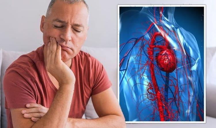 Heart attack symptoms: Three common signs where it is 'vital to dial 999 immediately'