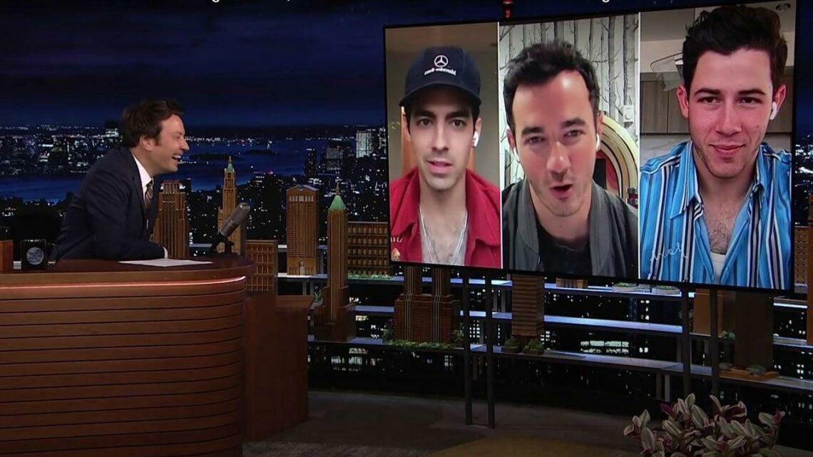 Joe Jonas Jokingly Promises a Jonas Bros vs. Hemsworth Bros MMA Fight