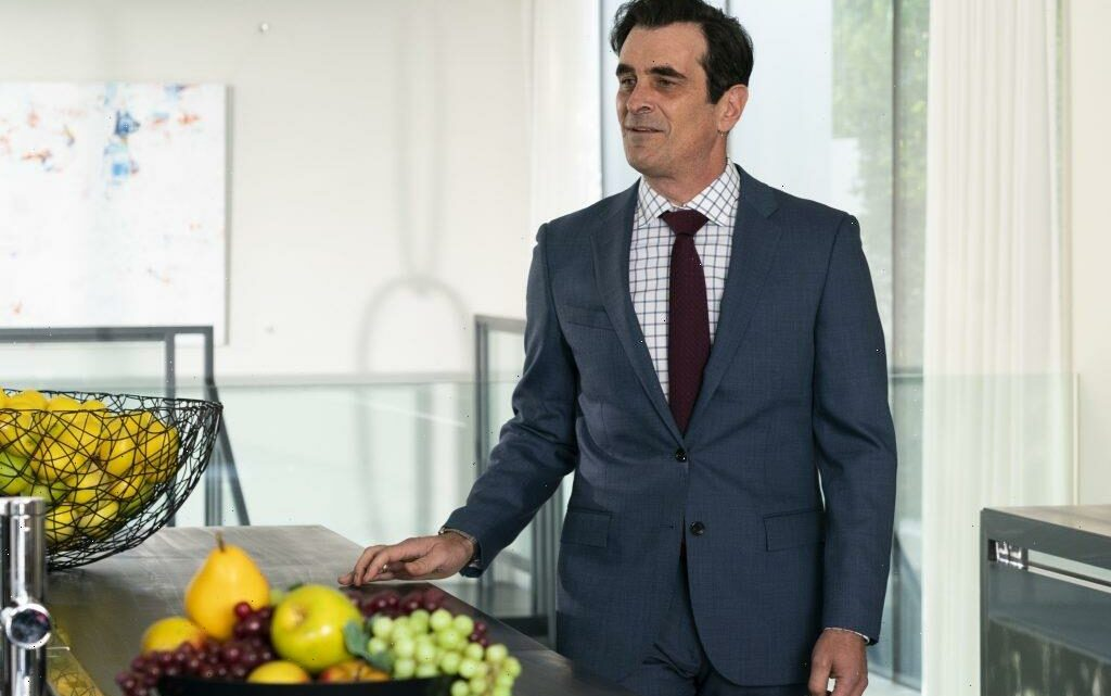Phil Dunphy Struggled With His 'Alien'-Like Kidney Stone During This 'Modern Family' Episode