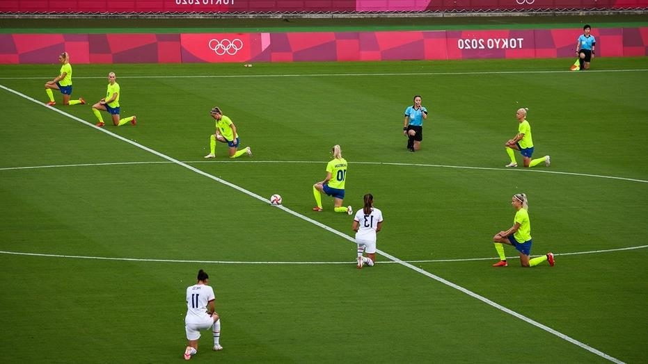 US women's soccer team, other squads kneel in protest before Olympics matches