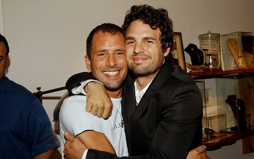 'Avengers' Star Mark Ruffalo's Brother Died Under Mysterious Circumstances and It Remains Unsolved