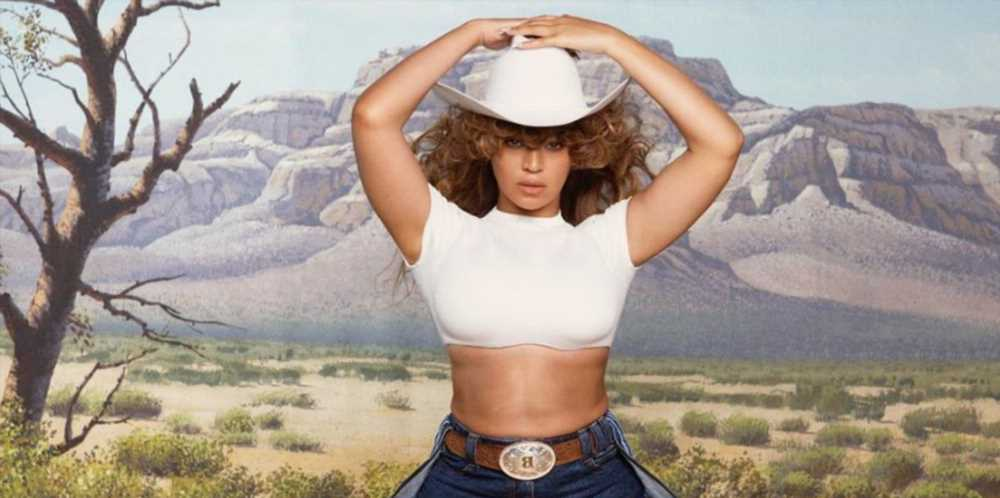 Beyoncé Paired an Ab-Baring Crop Top With Denim Short-Shorts and a Cowboy Hat