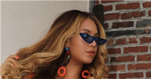 Beyoncé wows fans with new 70s-style curly fringe hair makeover